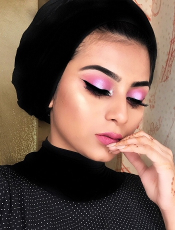 Instagram Handle: @makeuppbyalyy